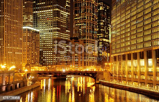 483312814 istock photo Chicago downtown and river at night 475728958