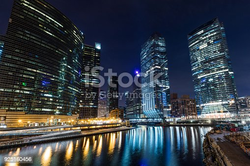 483312814 istock photo Chicago downtown  illuminated view by the river 925160456