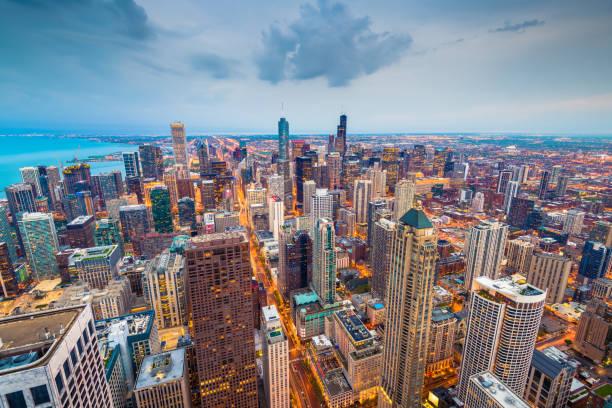 chicago, illinois usa skyline - urban sprawl stock photos and pictures