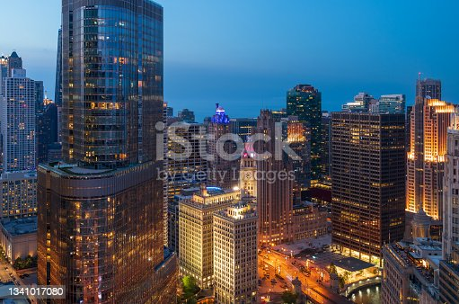 istock Chicago - Magnificent Mile at Dusk 1341017080