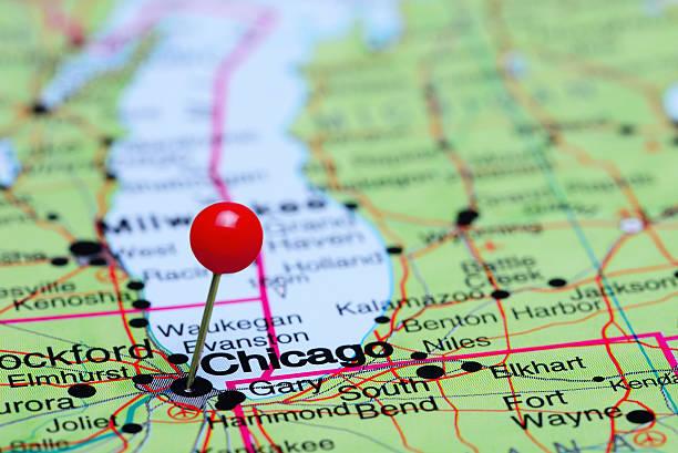 chicago coincé sur une carte des états-unis - épingler photos et images de collection