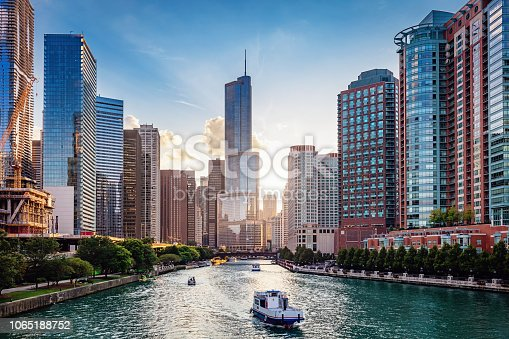istock Chicago River Cityscape at Sunset 1065188752