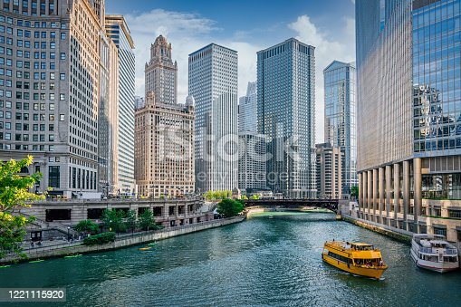 istock Chicago River Cityscape Water Taxi Tourboat Cruising in Summer 1221115920