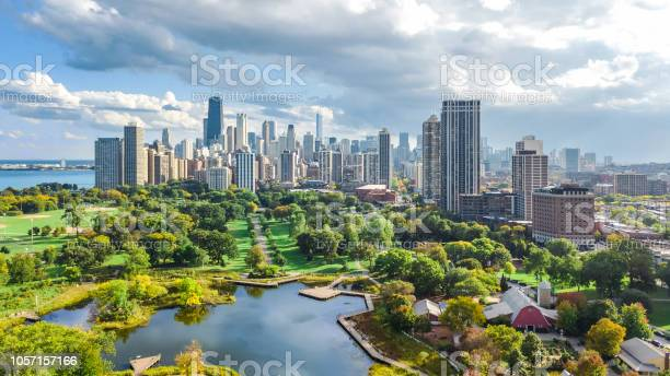 Chicago skyline aerial drone view from above lake michigan and city picture id1057157166?b=1&k=6&m=1057157166&s=612x612&h=co7kh89fquwgjtip7hftvxautphyjf6rvhea43yw0zc=