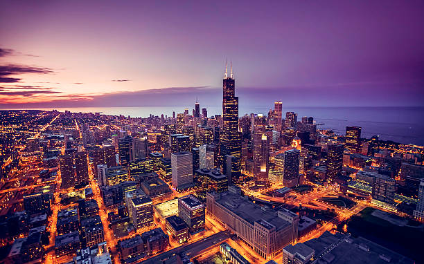 chicago skyline aerial view at dusk - city 個照片及圖片檔