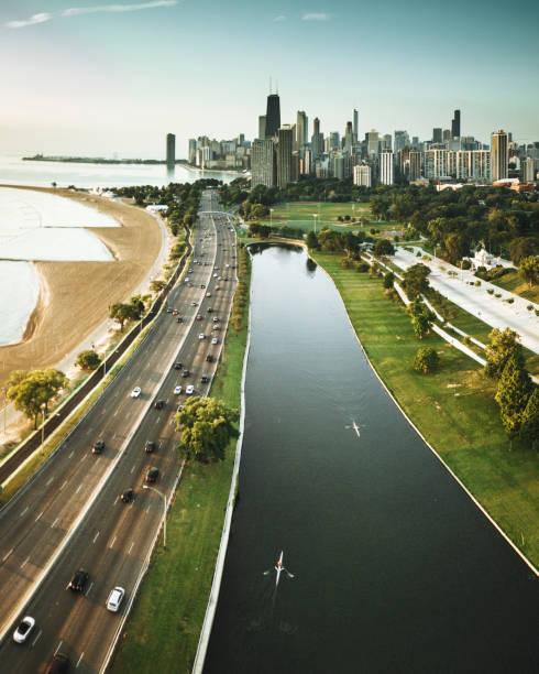 vista aérea del horizonte de chicago - chicago illinois fotografías e imágenes de stock