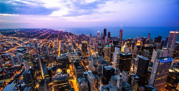vista de los edificios de chicago - chicago fotografías e imágenes de stock