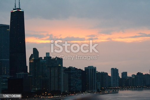 852738732istockphoto Chicago skyline 1092106388