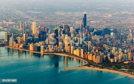 istock Chicago skyline 504381960