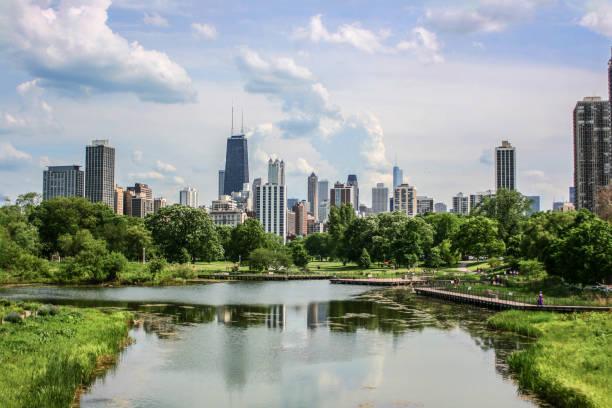 シカゴの街並み - 緑 ビル ストックフォトと画像