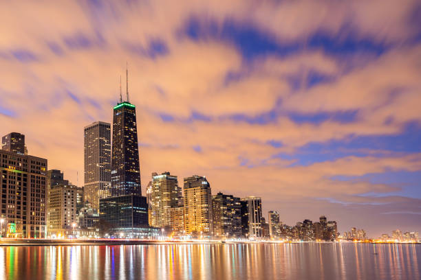 Chicago Skylines bei Nacht. – Foto