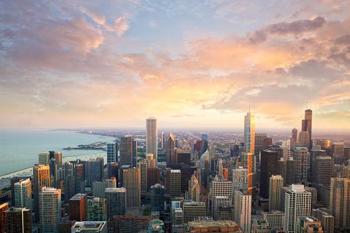Photo libre de droit de Heure Du Coucher Du Soleil De Chicago banque d'images et plus d'images libres de droit de Architecture