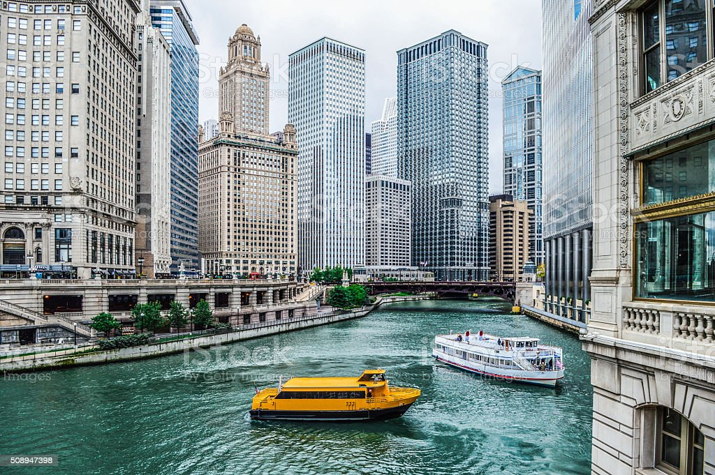 Urban Skyline Chicagos am Chicago Fluss – Foto
