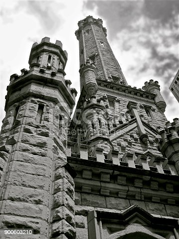 a picture of the Chicago water tower
