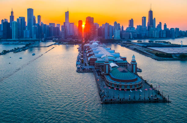 Chicago's Navy Pier,Sunset Chicago's Navy Pier,Sunset chicago stock pictures, royalty-free photos & images