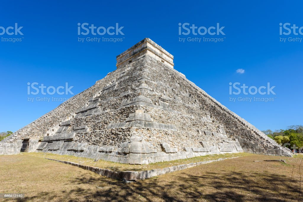 Chichen Itza - El Castillo Pyramid - Ancient Maya Temple Ruins in Yucatan, Mexico foto stock royalty-free