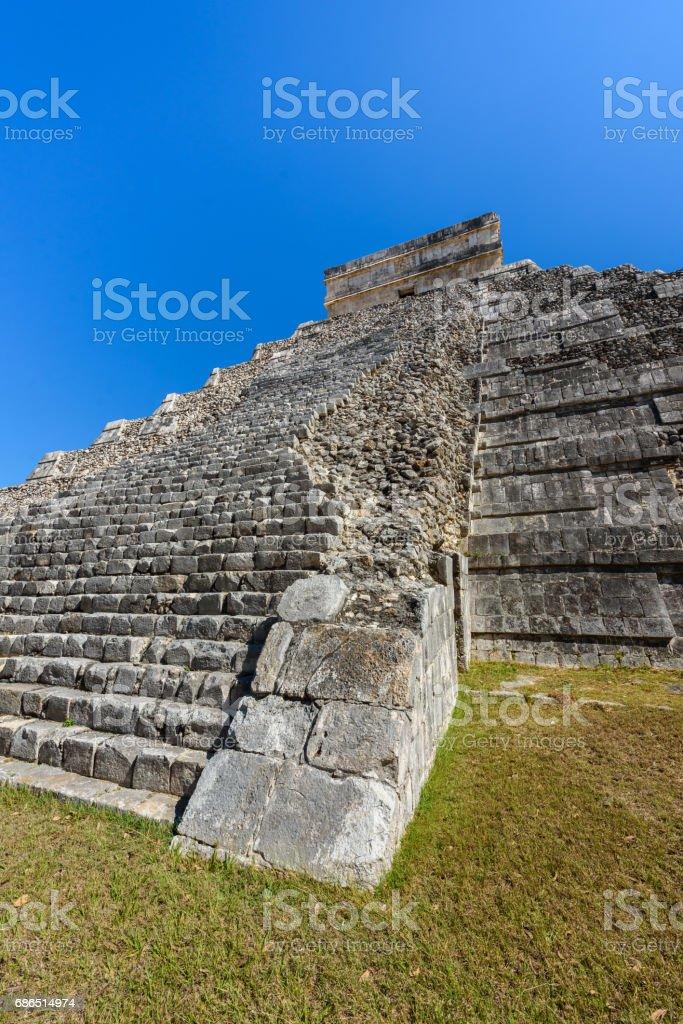 ユカタン半島、メキシコのチチェン ・ イッツァ - エル カスティーヨ ピラミッド - 古代マヤ寺院遺跡 ロイヤリティフリーストックフォト