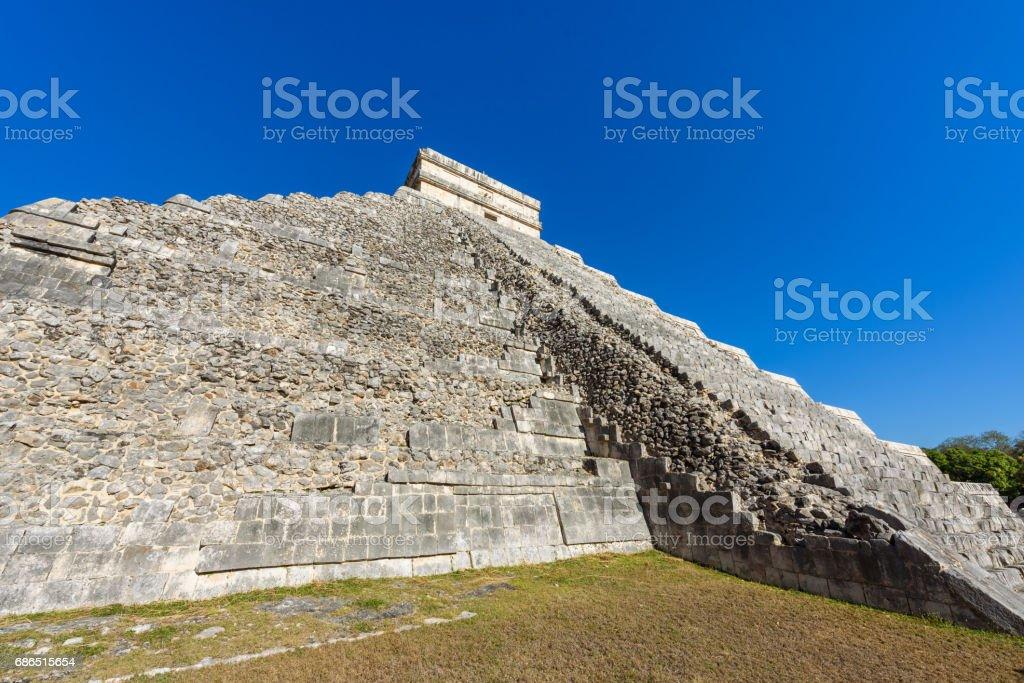 Chichen Itza - El Castillo Pyramid - Ancient Maya Temple Ruins in Yucatan, Mexico royalty free stockfoto