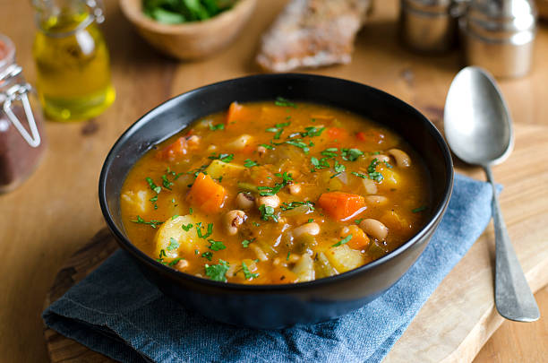 Chicken and bean soup Chicken and black-eyed pea gumbo vegetable soup stock pictures, royalty-free photos & images