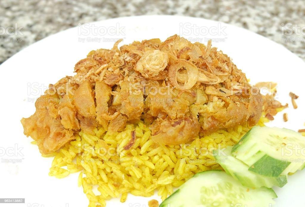 Kurczak Biryani lub przyprawione kurczaka i ryżu - Zbiór zdjęć royalty-free (Bez ludzi)