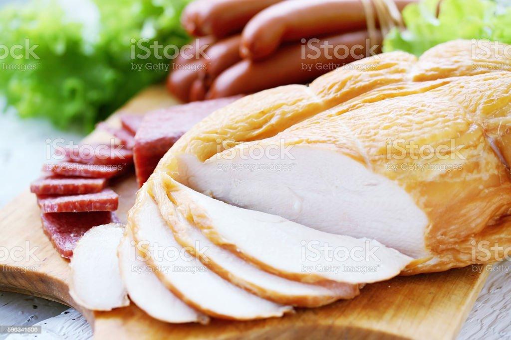 chicken breast and sausage Lizenzfreies stock-foto