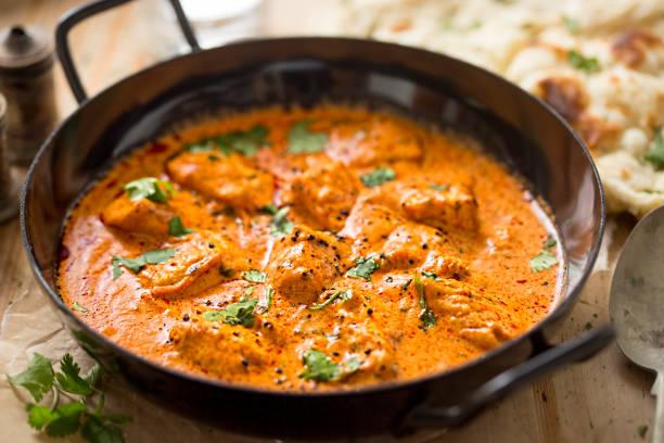 curry de frango, manteiga de frango cremosa - caril - fotografias e filmes do acervo