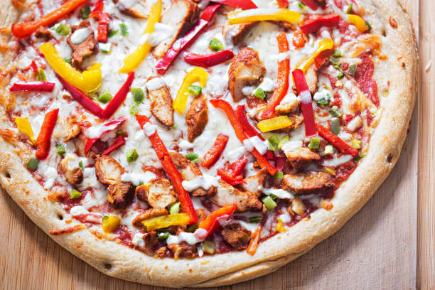 Chicken fajita pizza with peppers and garlic dip Chicken fajita pizza with peppers and garlic dip yellow bell pepper stock pictures, royalty-free photos & images