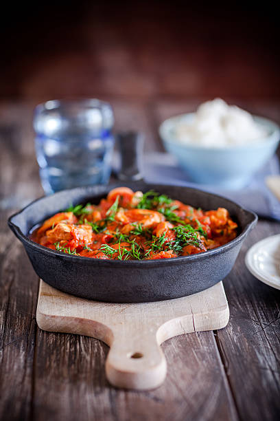 Huhn in Tomaten-sauce – Foto