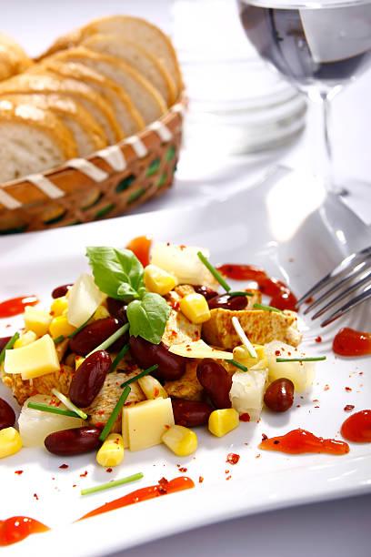 chicken-salat - ananas huhn salate stock-fotos und bilder