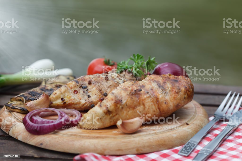 Chicken steak with roasted vegetable photo libre de droits