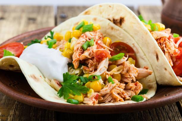Chicken Taco mit Mais, mexikanische Küche – Foto
