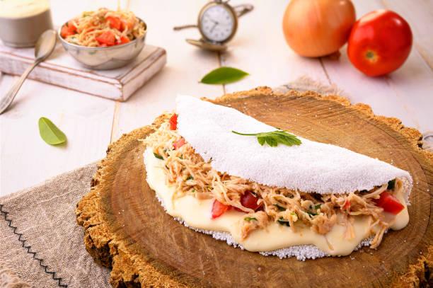 chicken tapioca with catupiry - typical northeastern brazilian food - nordeste - fotografias e filmes do acervo