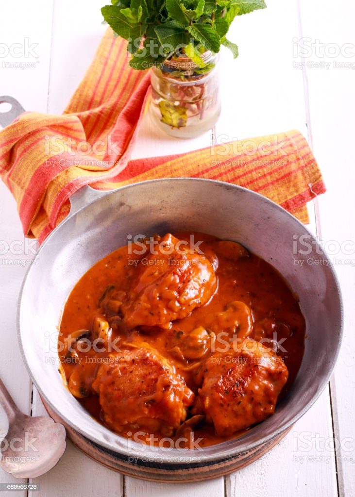 Chicken Valencia - chicken thighs stewed photo libre de droits