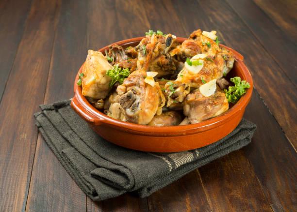 pollo con ajo - studioimagen73 fotografías e imágenes de stock