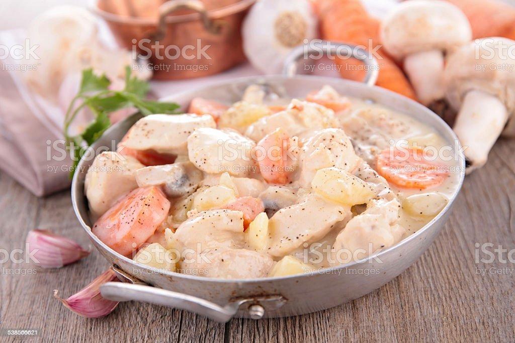 Poulet avec sauce aux légumes - Photo