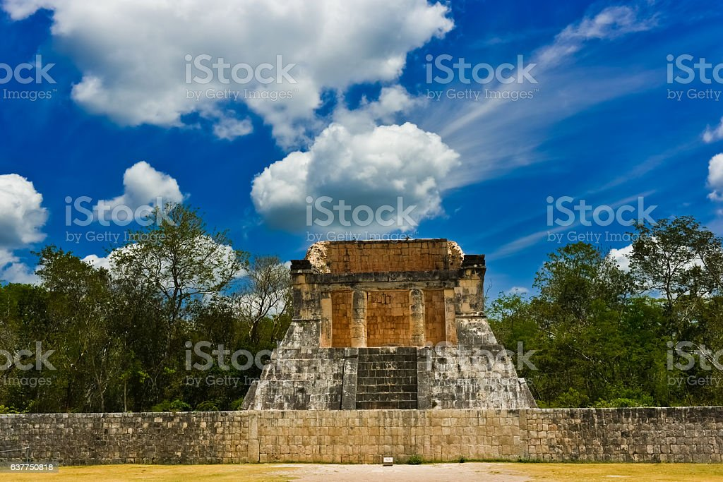 Chief Guest seat of the whole stadium of Chichen Itza (front) ストックフォト