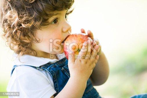 istock child and apple 178508375