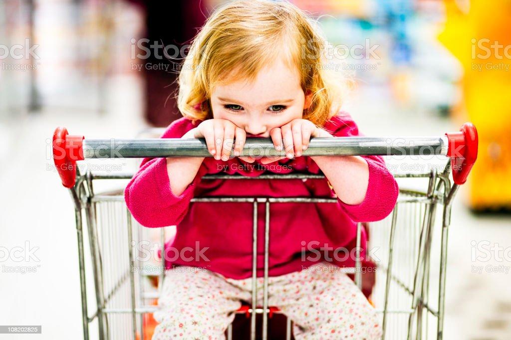 Bambino in Supermercato - foto stock
