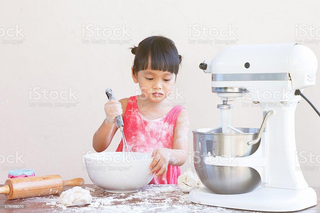 Criança bakery - foto de acervo