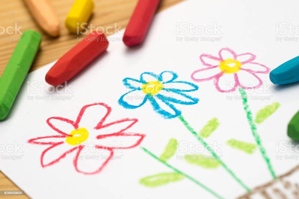 Photo Libre De Droit De Enfant Dessin Fleurs Mise Au Point