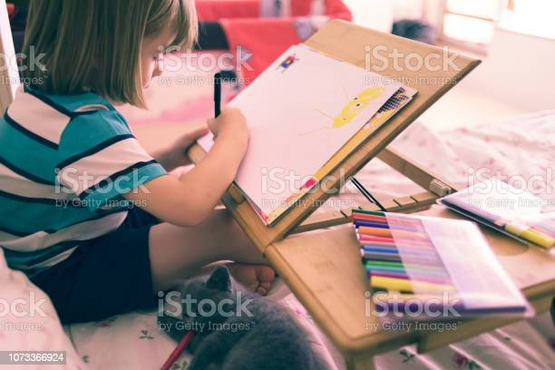 Child drawing in his bed picture id1073366924?b=1&k=6&m=1073366924&s=612x612&h= e5flncpn5irm1niefeums6k3h6ocotgiqd4uy505iy=