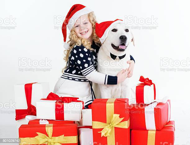 Child girl with labrador dog christmas concept picture id501029742?b=1&k=6&m=501029742&s=612x612&h=t3fgk8ckx8aavee4 s6oqysuh dpfcb3hgj a60wncs=