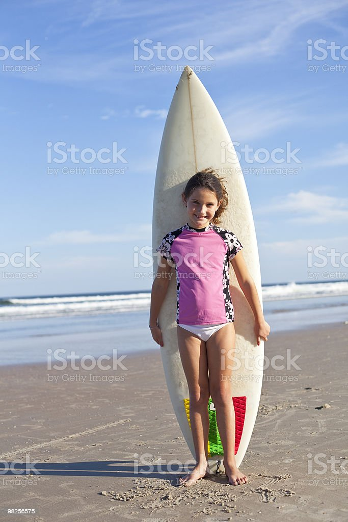 Child holding surfboard foto stock royalty-free