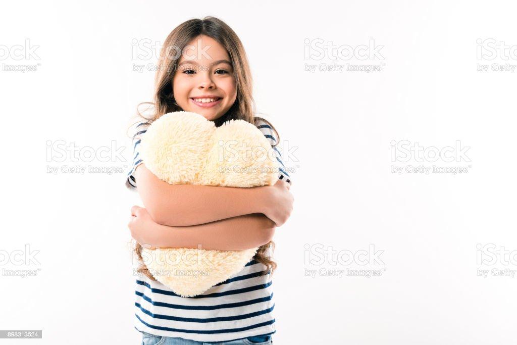 Kussen Voor Kinderen : Kind knuffelen hart gevormde kussen stockfoto en meer beelden van