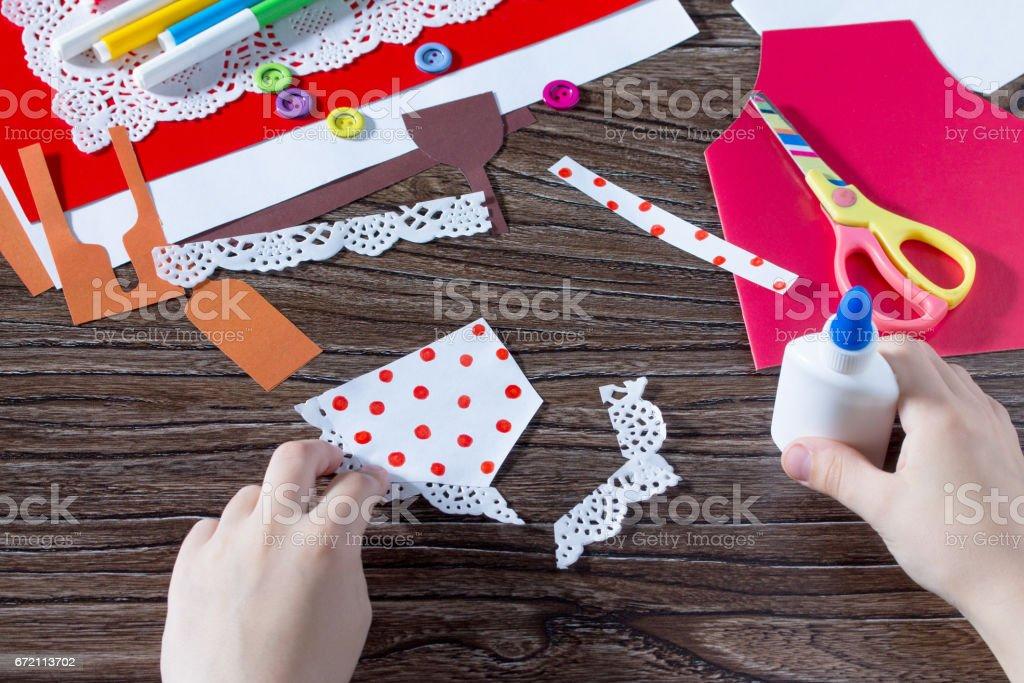 Ein Kind Ist Am Muttertag Papier Details Ein Geschenk Von