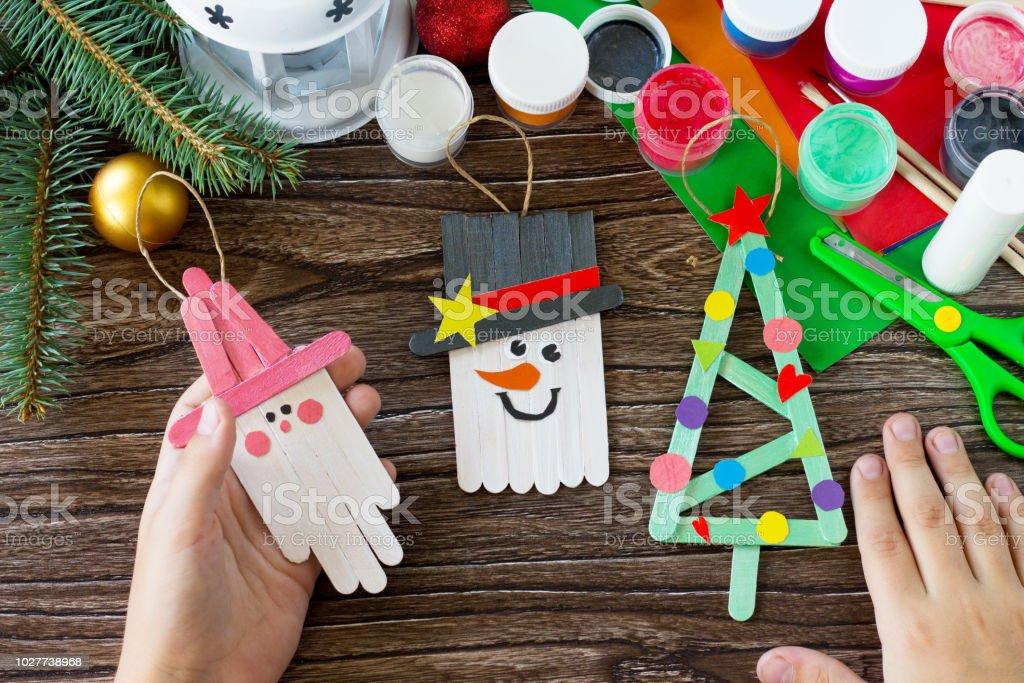 Manualidades Para Regalar A Ninos En Navidad.Decoracion De La Navidad O Palillos De Madera De Regalo De