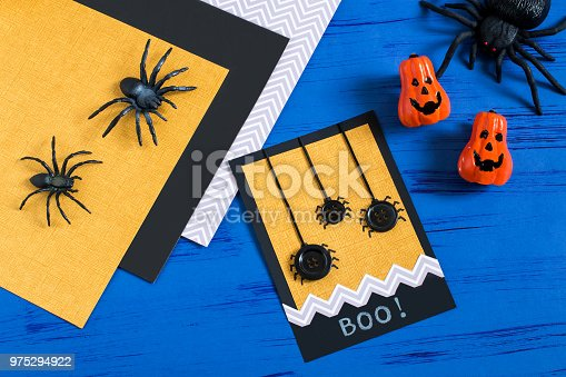 istock Child makes card to Halloween. Step 8 975294922