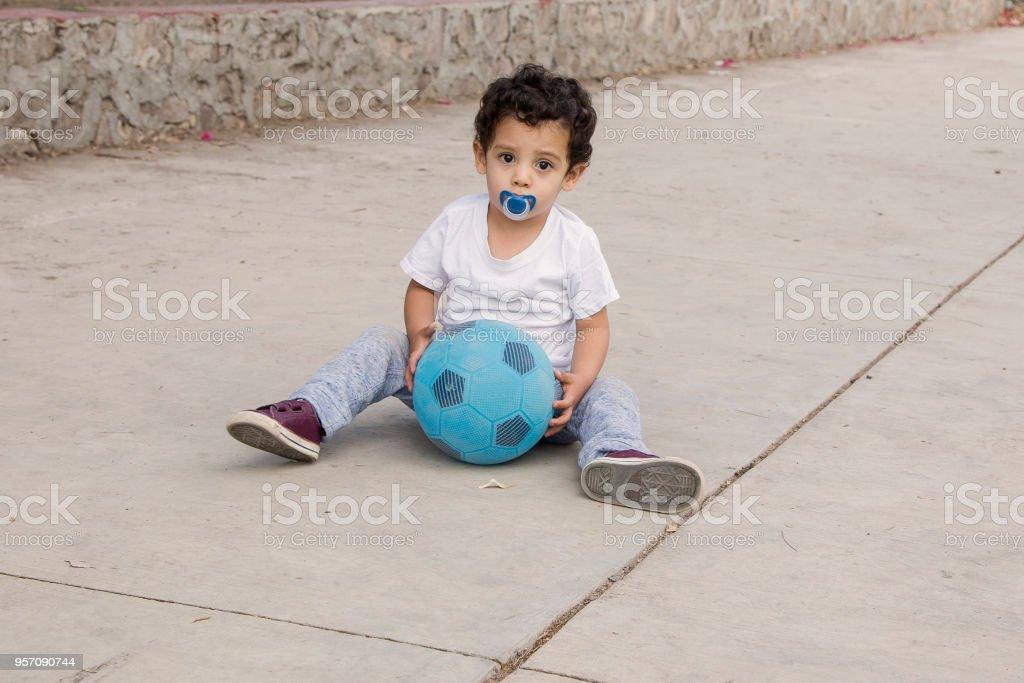 Nino Jugando Futbol Stock Photo More Pictures Of 2 3 Years Istock