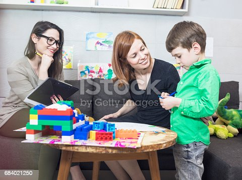 istock Child psychologist at work 684021250