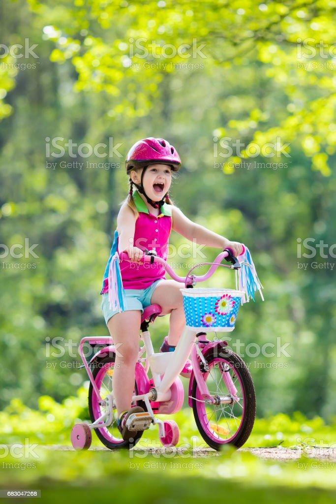 Child riding bike. Kid on bicycle. foto de stock royalty-free